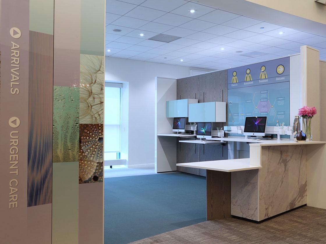 Connext, 2016, DIRTT, Pigott, Commercial Interior Design, DIRTTbags, Embedded Screens